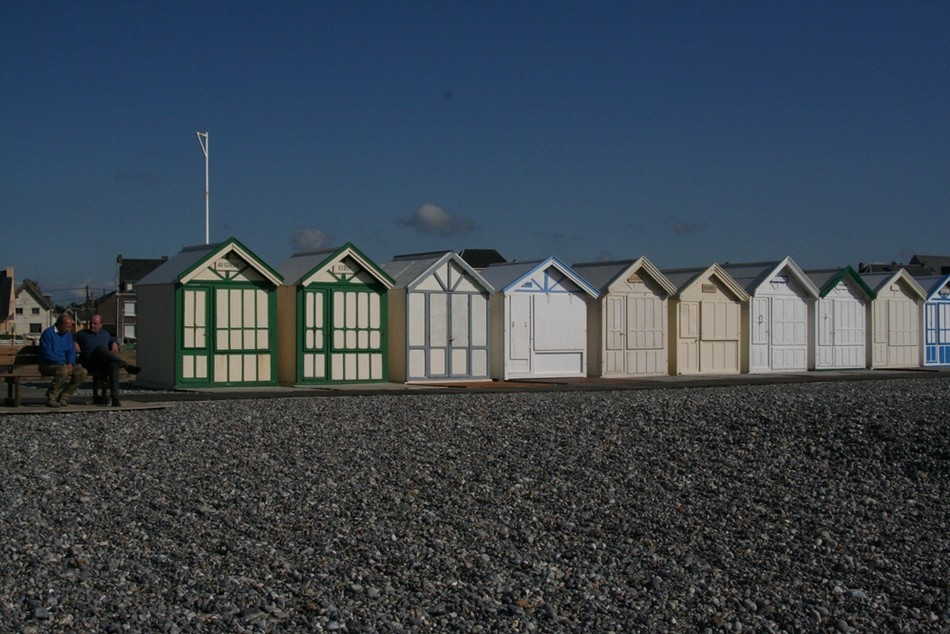 la plage de galets à Cayeux sur mer & Baie de Somme