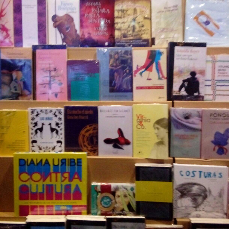 Bailarás sin tacones entre los libros más representativos de la literatura colombiana escrita por mujeres.