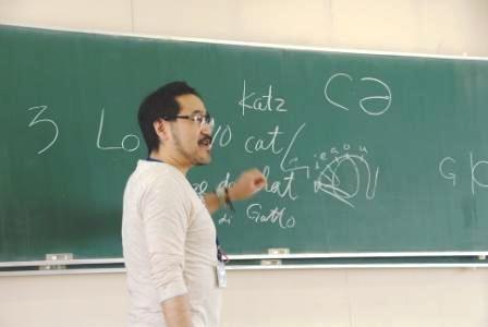 """石川先生の""""フランス語講座""""はユーモアたっぷりでとても楽しいです"""