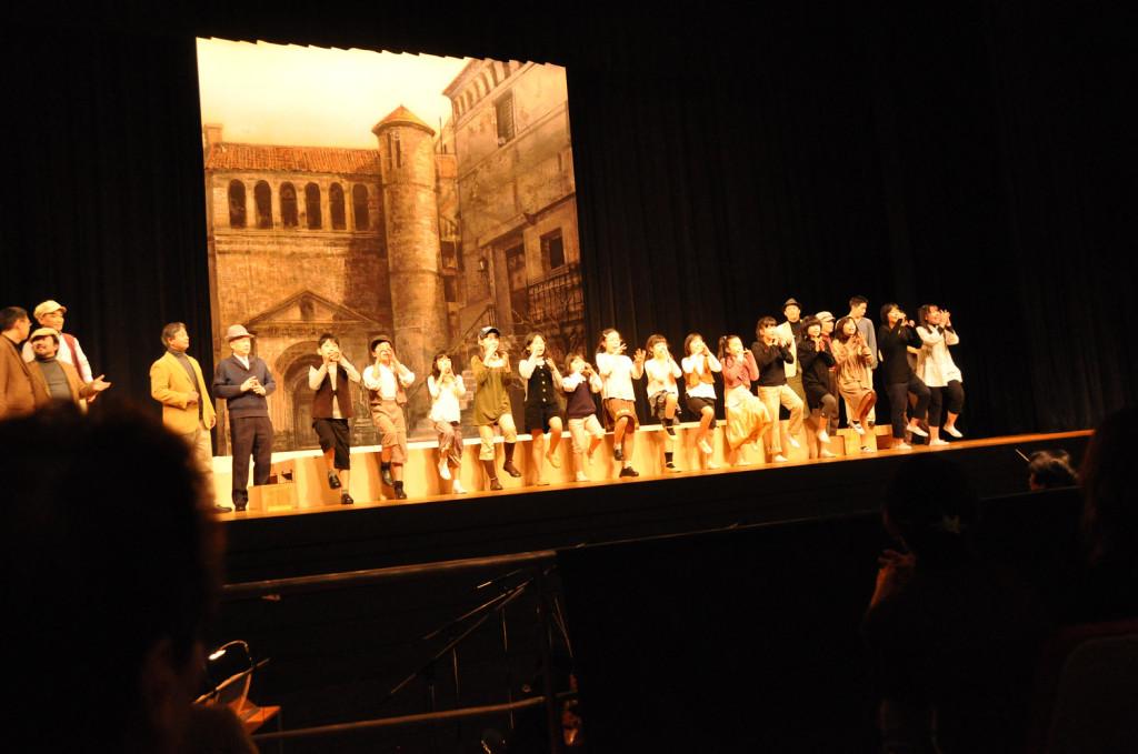 元気な子供たちの合唱!綾瀬市民オペラの幕開け