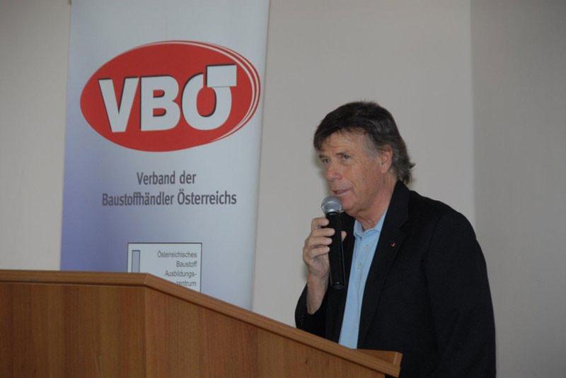 Leonhard Helbich-Poschacher war es gelungen, Peter Schröcksnadel, den Präsidenten des Österreichischen Schiverbandes, für ein interessantes Interview zu gewinnen.