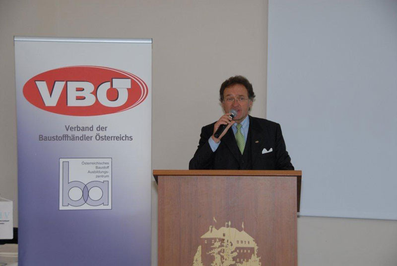 VBÖ – Präsident Dr. Leonhard Helbich-Poschacher eröffnete die 56. Österreichische Baustoffhandelstagung in Kitzbühel