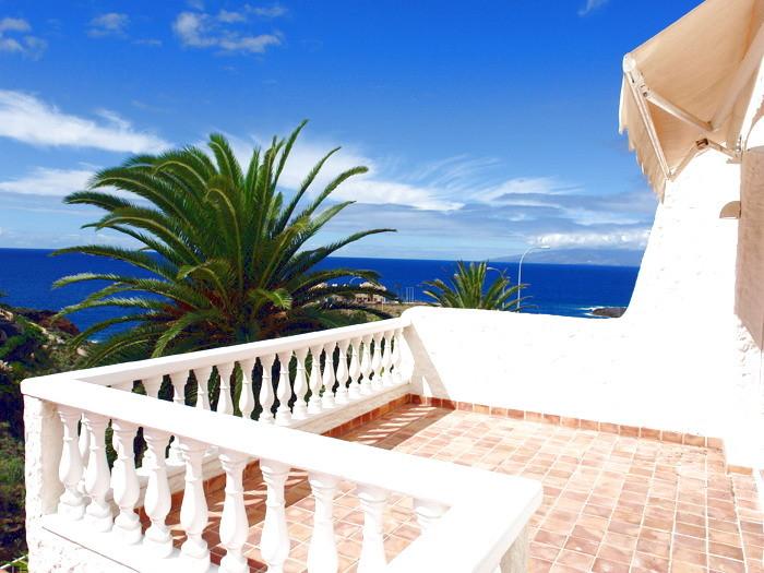 Traumhafter Meerblick von der Terrasse der Familienvilla in Playa Paraiso auf teneriffa