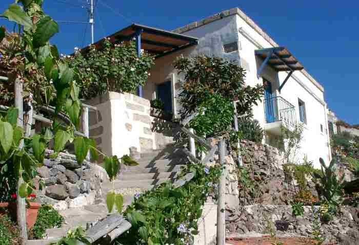 Casa Azul, ein liebevoll restauriertes Ferienhaus auf einer idylischen Finca in Guia de Isora auf teneriffa