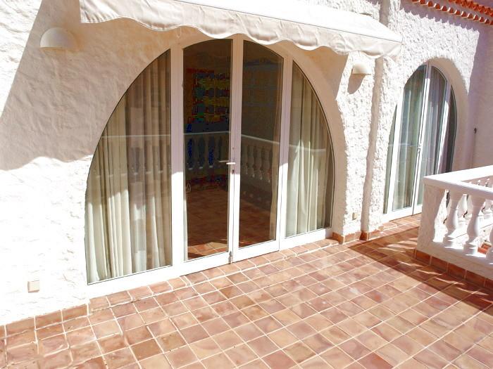 Terrasse am Balkon vor dem Schlafzimmer der Villa Santiago .
