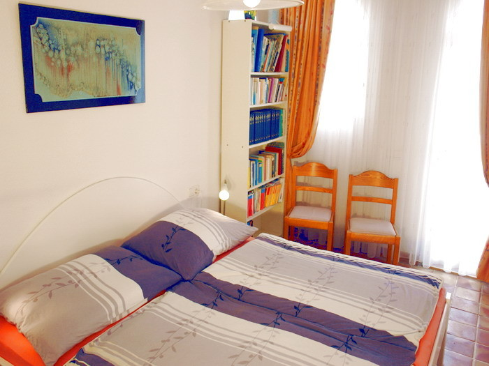 3.Schalfzimmer auch mit Doppelbett und Kleiderschrank der exclusiven Villa mit Pool