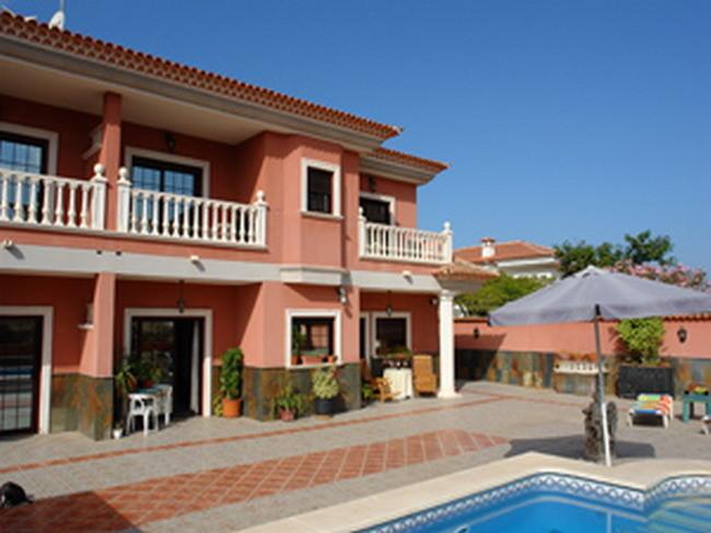 Villa Veronique mit Pool, Internet und Aufzug in Los Christianos auf Teneriffa