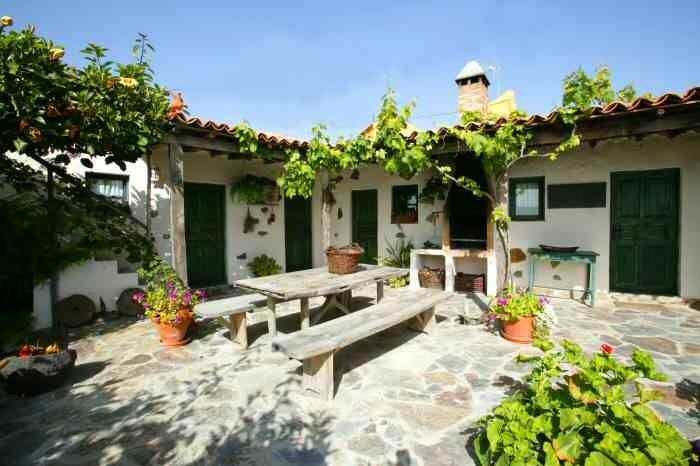 Casa Nigara ein gemütliches Ferienhaus mit Pool auf einer Finca in Guia de Isora auf Teneriffa