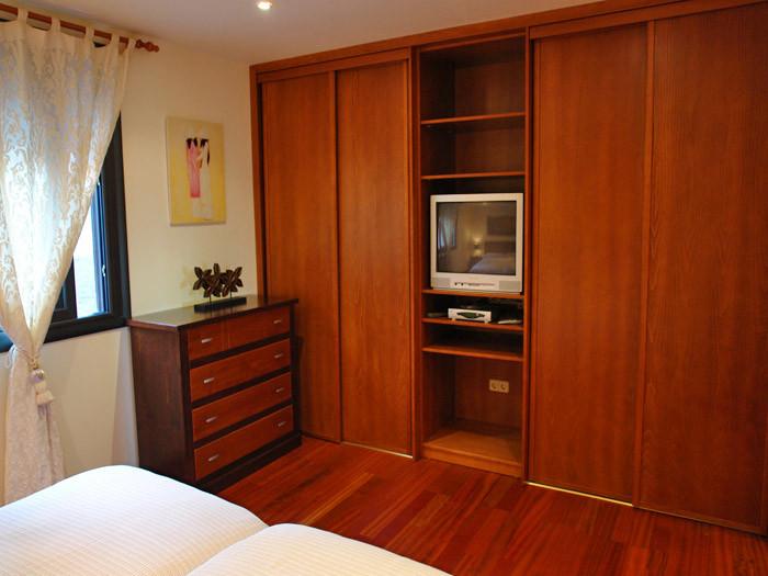 Fernsehgerät vom 1. Schlafzimmer