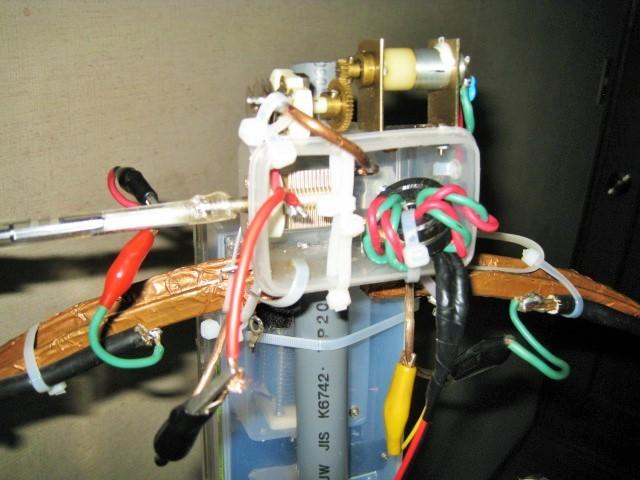 回転方式の給電LOOPで35PVC追加モータ同調とし、計二個のモータ同調となる。100PVCは手動とした。:詳細拡大写真