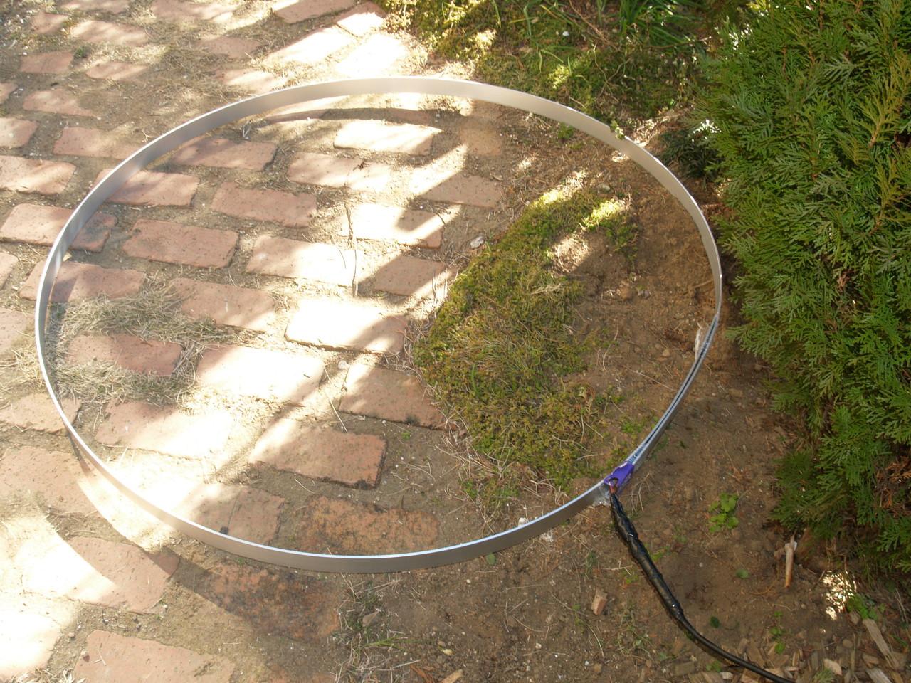 地上高ゼロメートル給電リングANT:同軸芯線からの接続例(アルミ板ANT接続と同じです。)/自宅での運用例