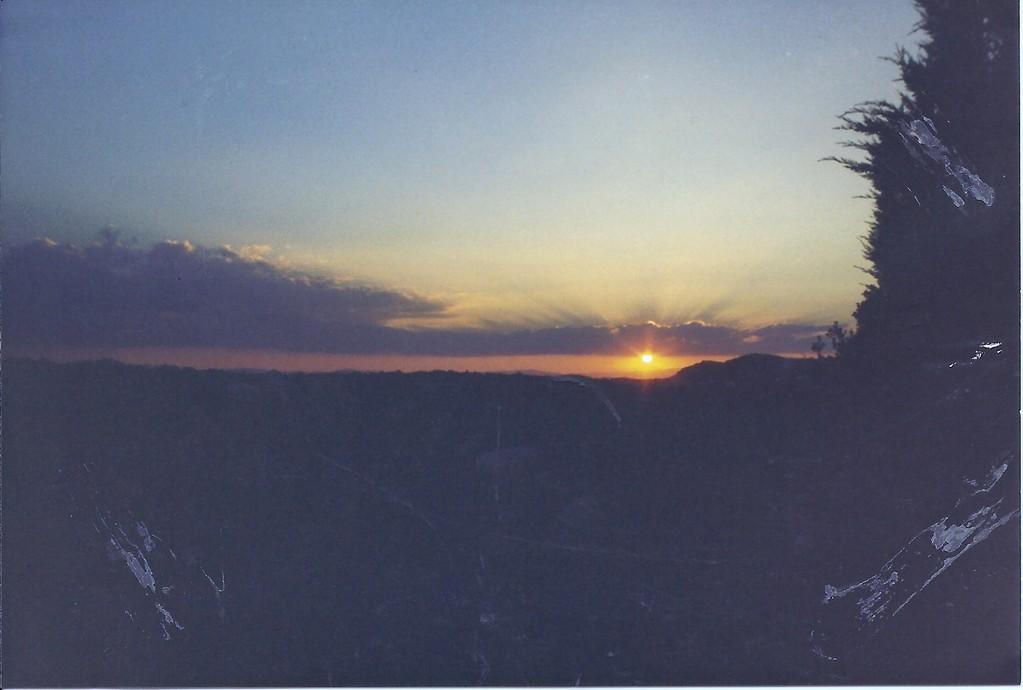 Coucher de soleil à la Leque,au fond à droite la ranc de Fons