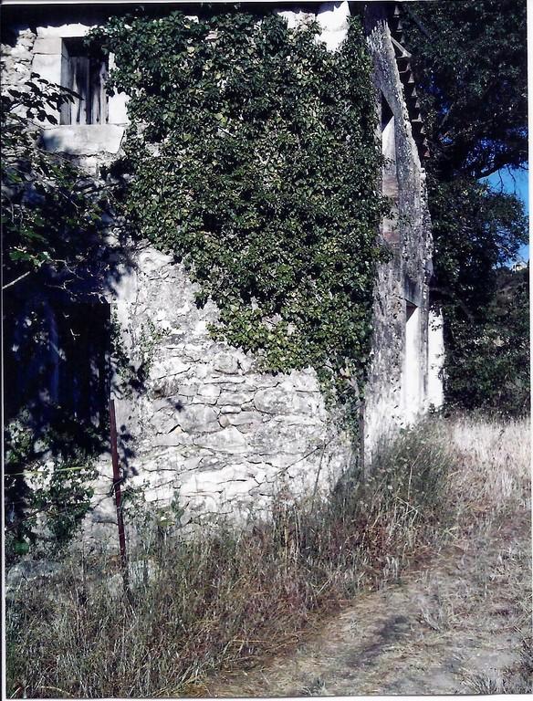 La grange de Lauron sur le Chemin entrée Nord . 1995