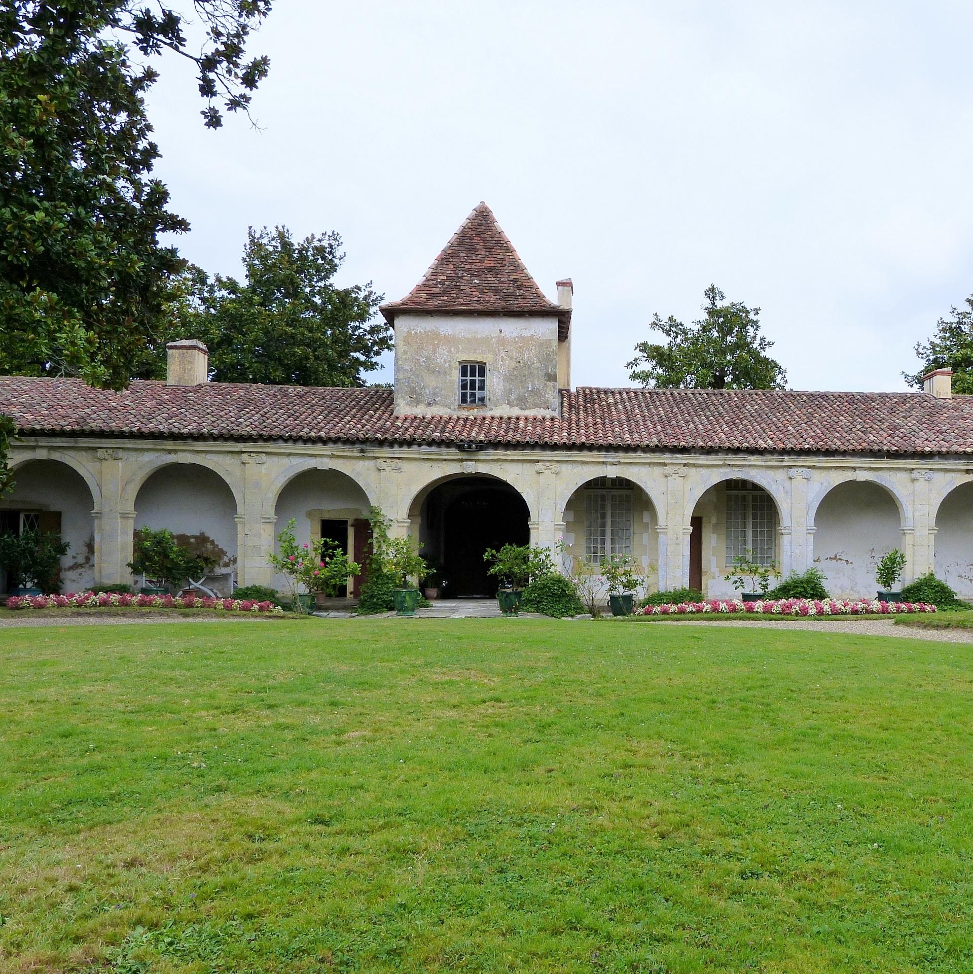 Château de Gaujacq ( à visiter )