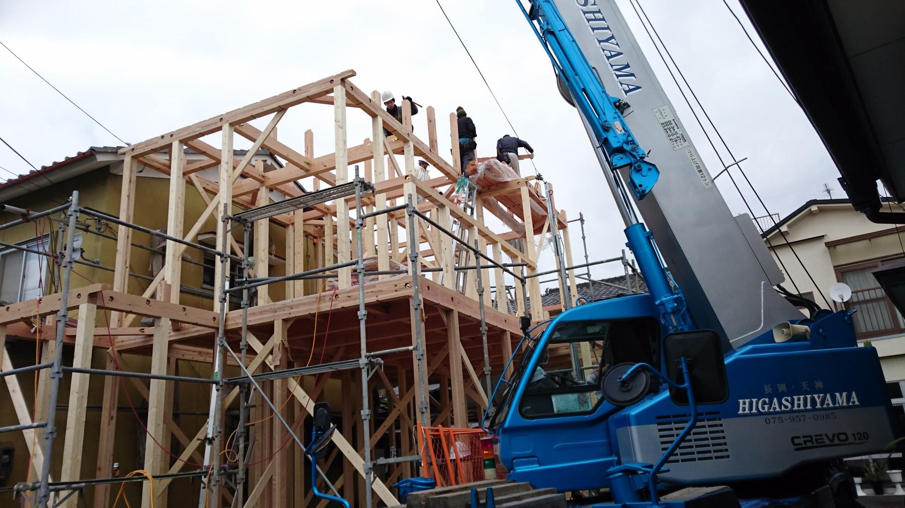 2階屋根柱建て