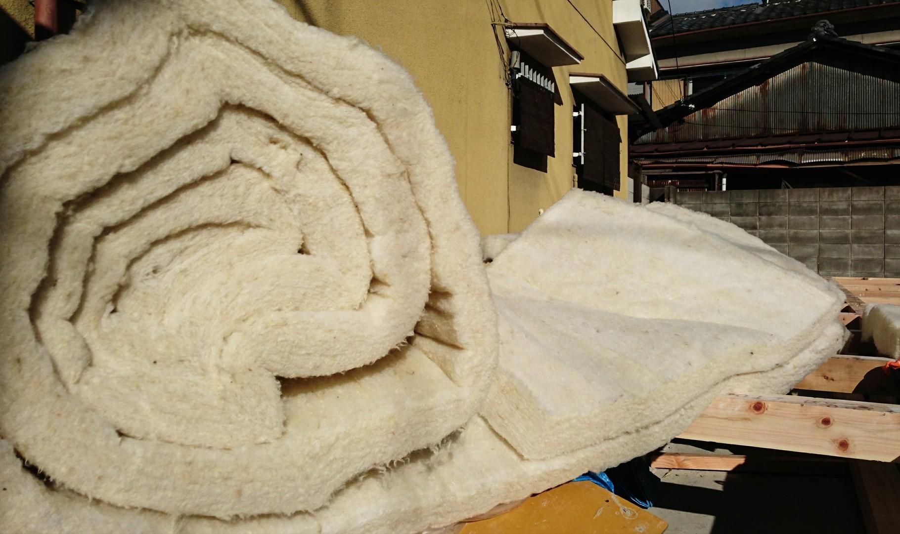 羊毛断熱材施行カット前