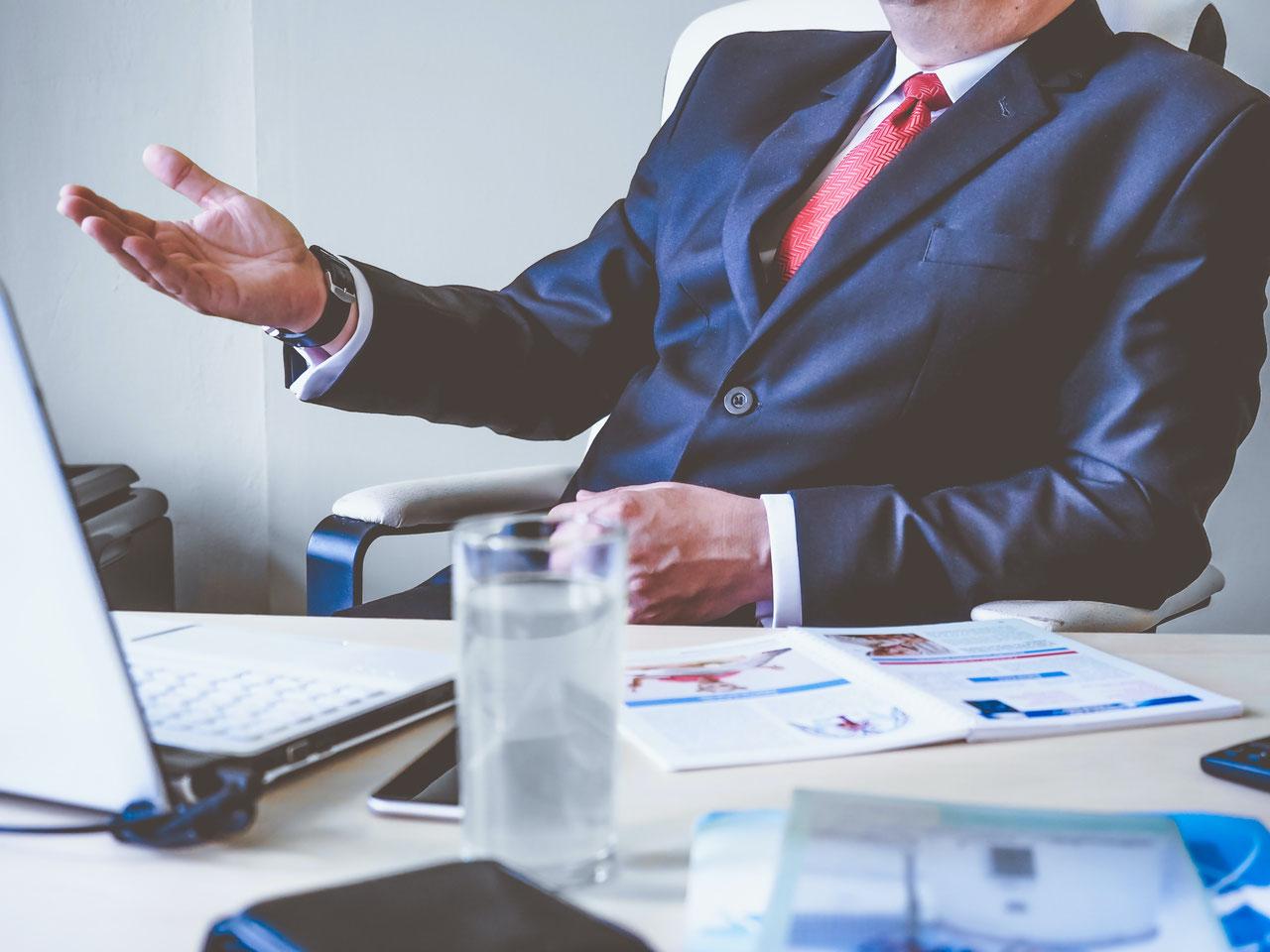サラリーマンからの転身や副業に、どうして専門家やコンサルタントをすすめるのか?