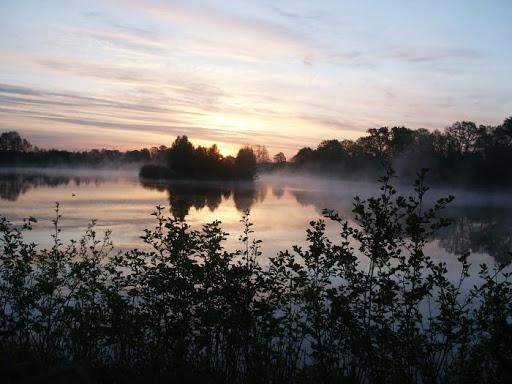 Widok na jeziora w Parku krajobrazowym Dolina Jezierzycy