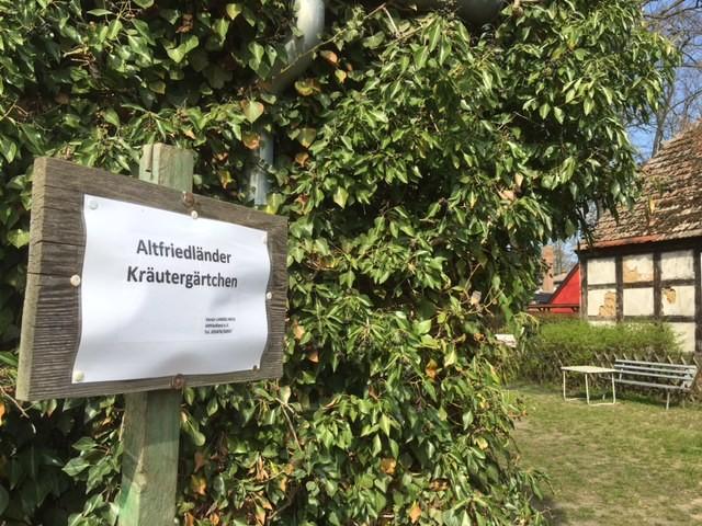 """Altfriedländer Kräutergärtchen """"Langes Haus"""""""