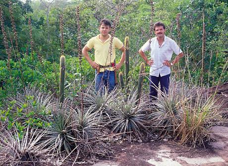 together with Richard Esteves Pereira (left), habitat Pilosocereus jauruensis & Dyckia ferruginea, Serra Maracaju, Mato Grosso do Sul, 1988