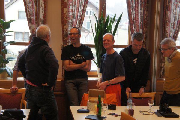 In den Pausen gab es viele Gelegenheiten für nette Gespräche und neue Bekanntschaften .... und es wurde viel gelacht
