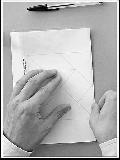www.presto-tangram.com - Replier la feuille, presser et laisser sécher.