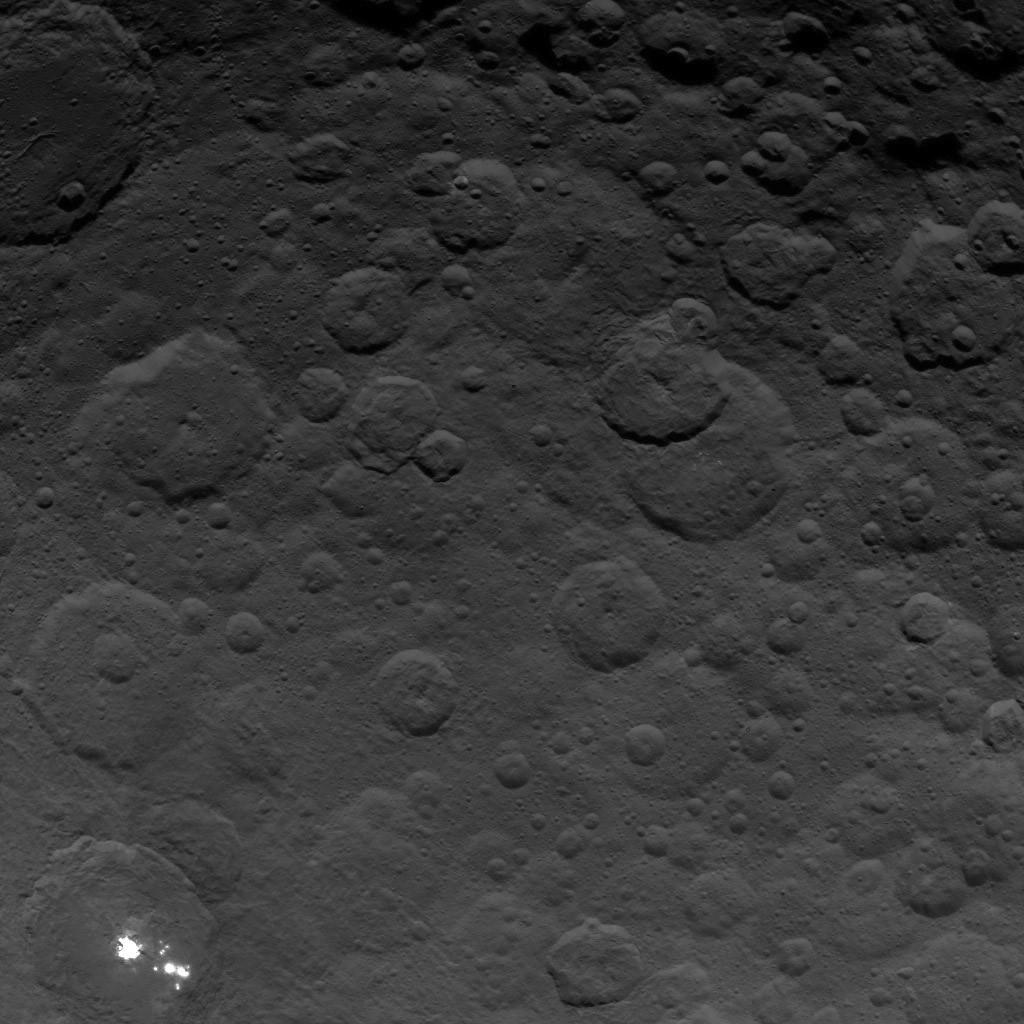 Orbite 35,  altitude : 4400 km, résolution : 410 m par pixel