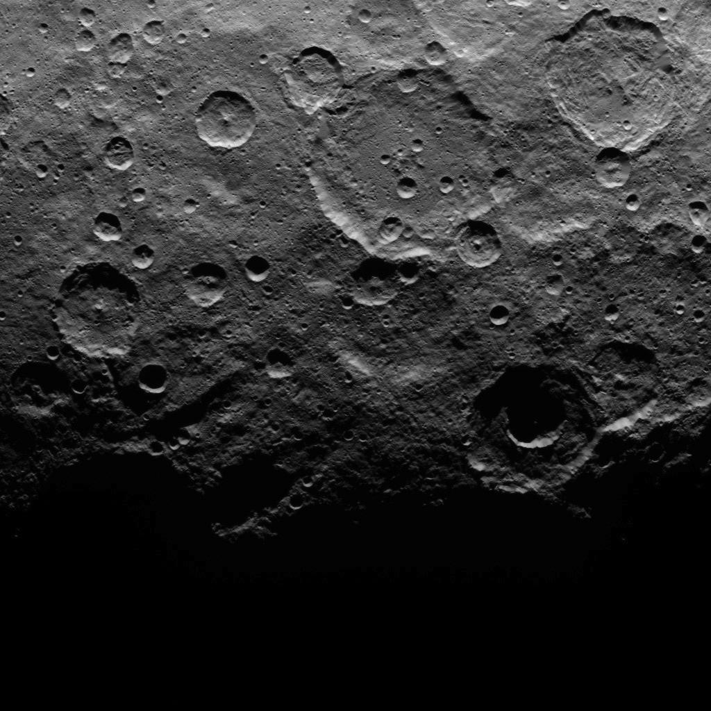Orbite 20, altitude : 4400 km, résolution : 410 m par pixel