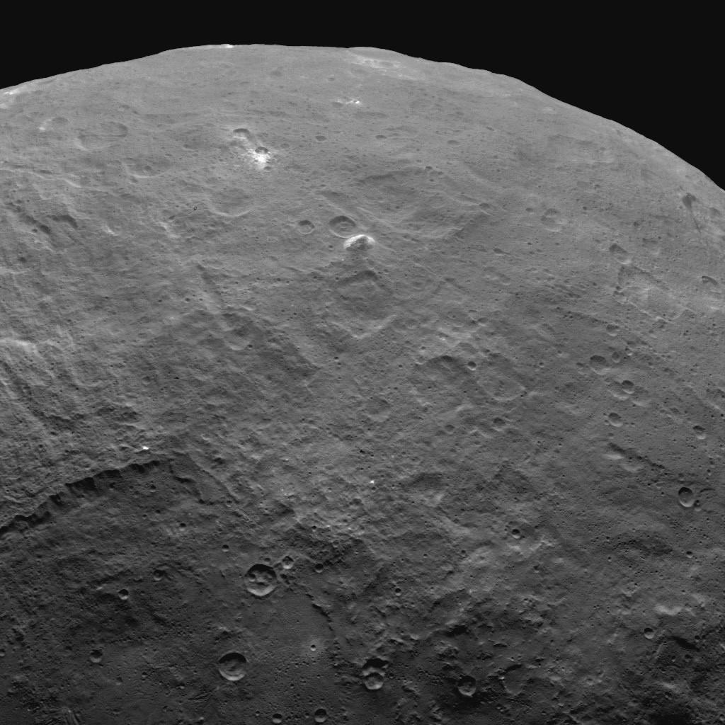 Orbite 52, on voit des montagnes de 6 km de haut.