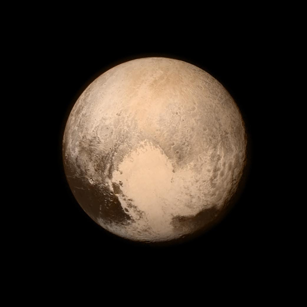 """""""Le coeur"""" de Pluton vu à 766 000 km de distance, 16 heures avant le survol"""