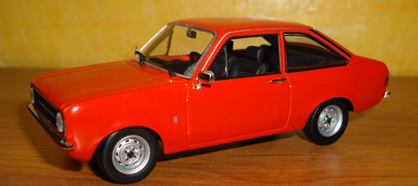 Ford escort Mk2 1975 Minichamps ref: 400084100