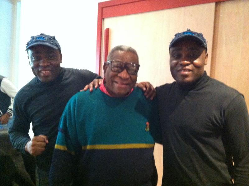 Les Jumeaux de MASAO (Masao Masu) en compagnie du trompettiste cubain Ernesto Tito Puentes