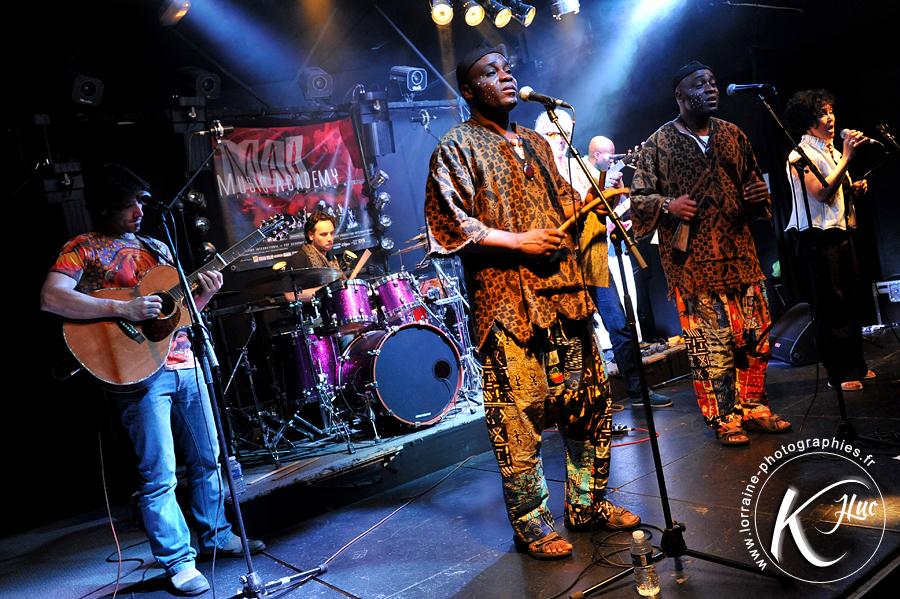 Les Jumeaux de MASAO (Masao Masu) en concert à Nancy . Photo : Jean-Luc Karcher
