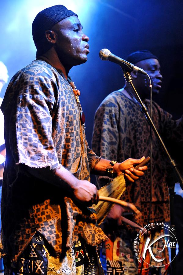 Les Jumeaux de MASAO (Masao Masu) Ben and Peter. Photo : Jean-Luc Karcher