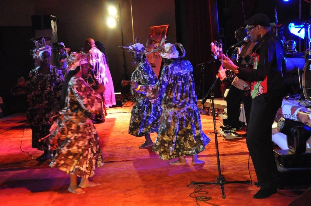 Les Jumeaux de MASAO (Masao Masu) en concert  au Cameroun Palais des congrès Yaoundé . Photo : Claude Badaha