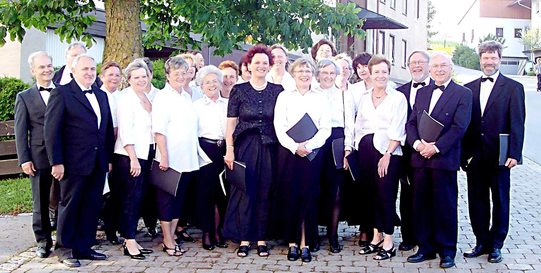 """2006 - Vor der """"Krönungsmesse"""" in der Halsbacher Pfarrkirche (nahe Altötting)"""