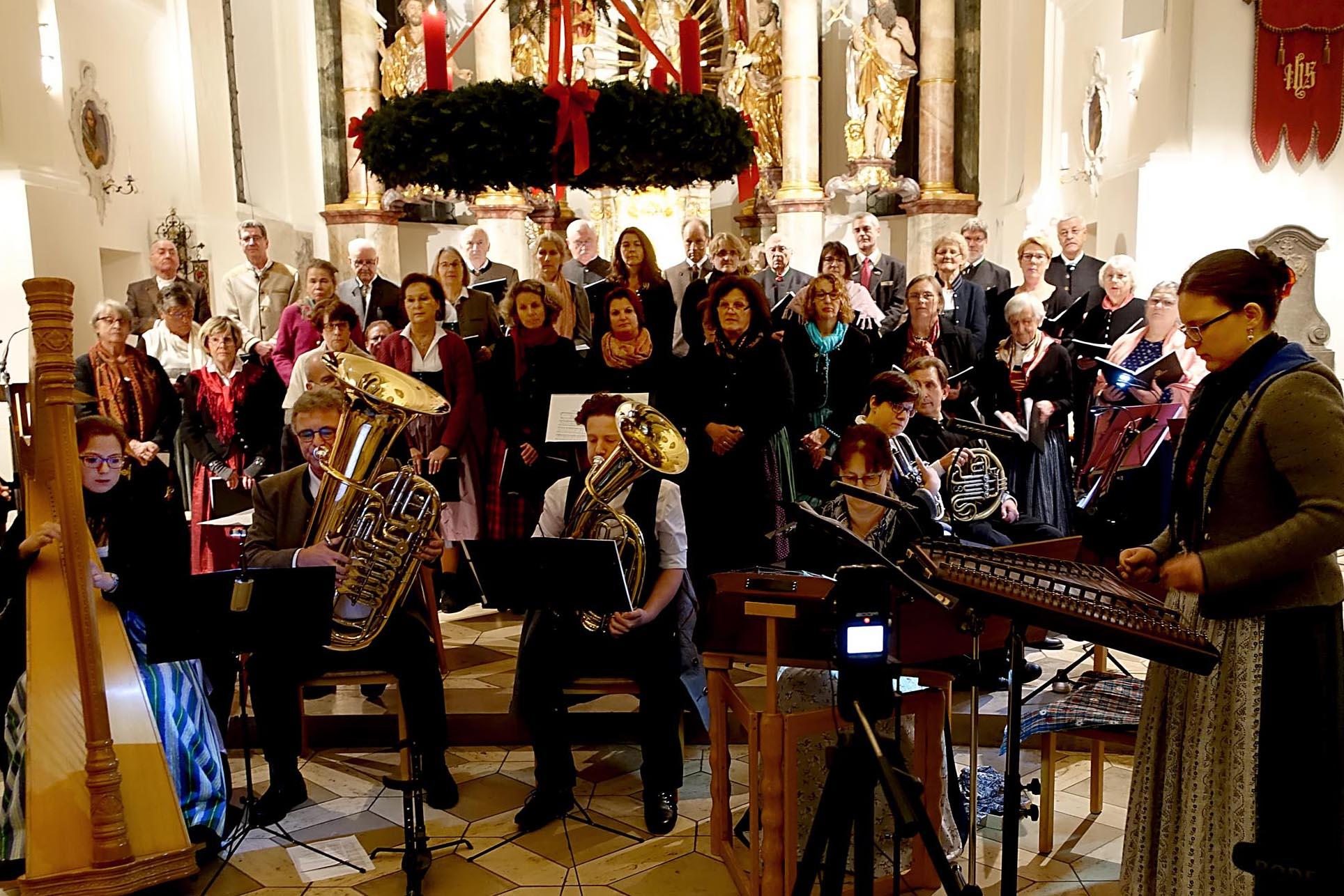 09. 12. 2018 - Alpenländisches Adventsingen in der Kath. Pfarrkirche St Ägidius, Grafing