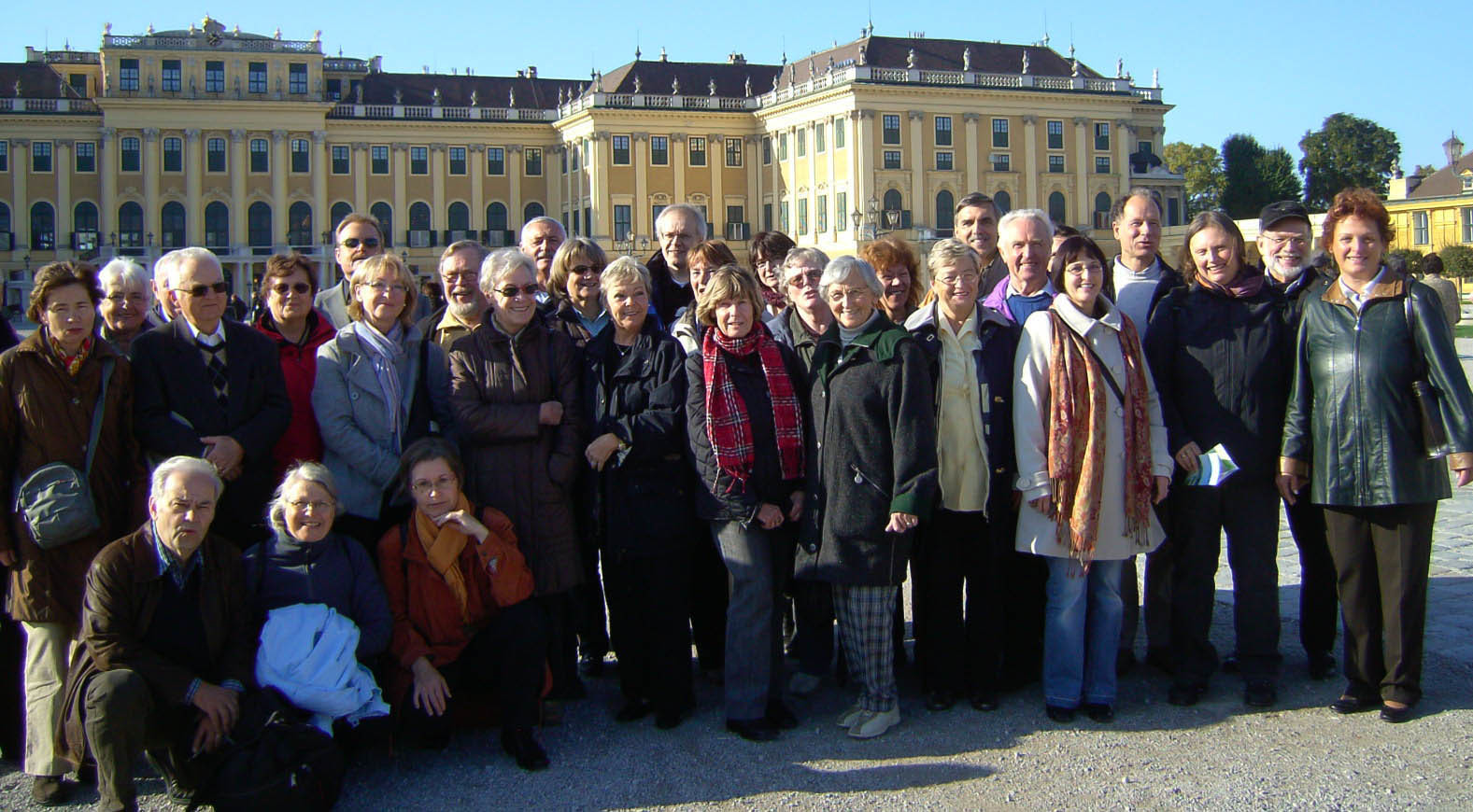 2008 - Vor dem Schloß Schönbrunn während der Chor-Reise nach Wien