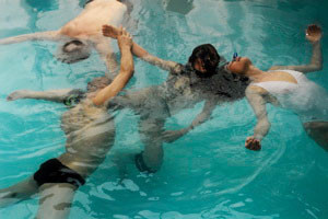 performance alain montebran silvia bellei waterdanse improvisation contact eau