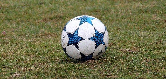 Champions League: Messi für PSG im Einsatz - Torfestival in Manchester