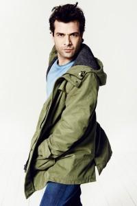German actor Kai Schumann wearing wunderwerk clothes for http://www.lovewhatyoudoblog.de/  Photo credits: Christine Stitz