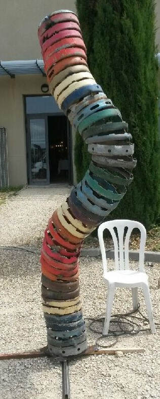 Sculpture h 300 cm disponible