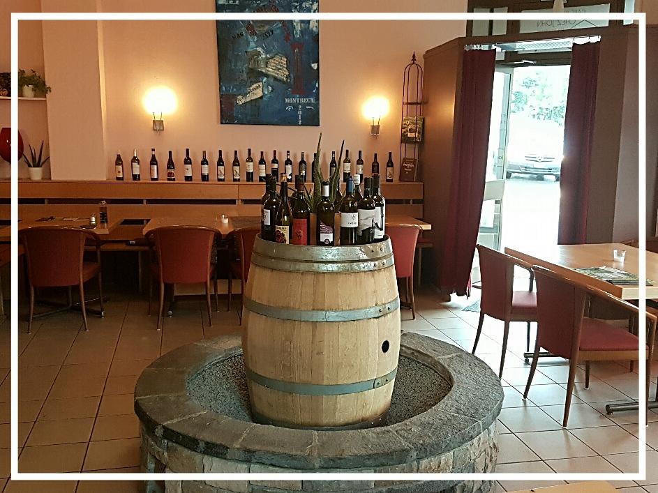 Les propositions à john de bouteilles de vins de la suisse et plusieurs pays  tous à  29 frs la bouteille