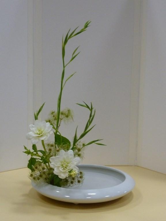 composition florale dans grand vase transparent cool idee deco pour grand vase transparent. Black Bedroom Furniture Sets. Home Design Ideas