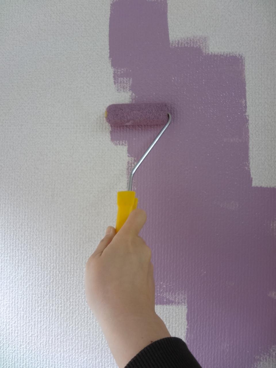 壁紙にペンキ