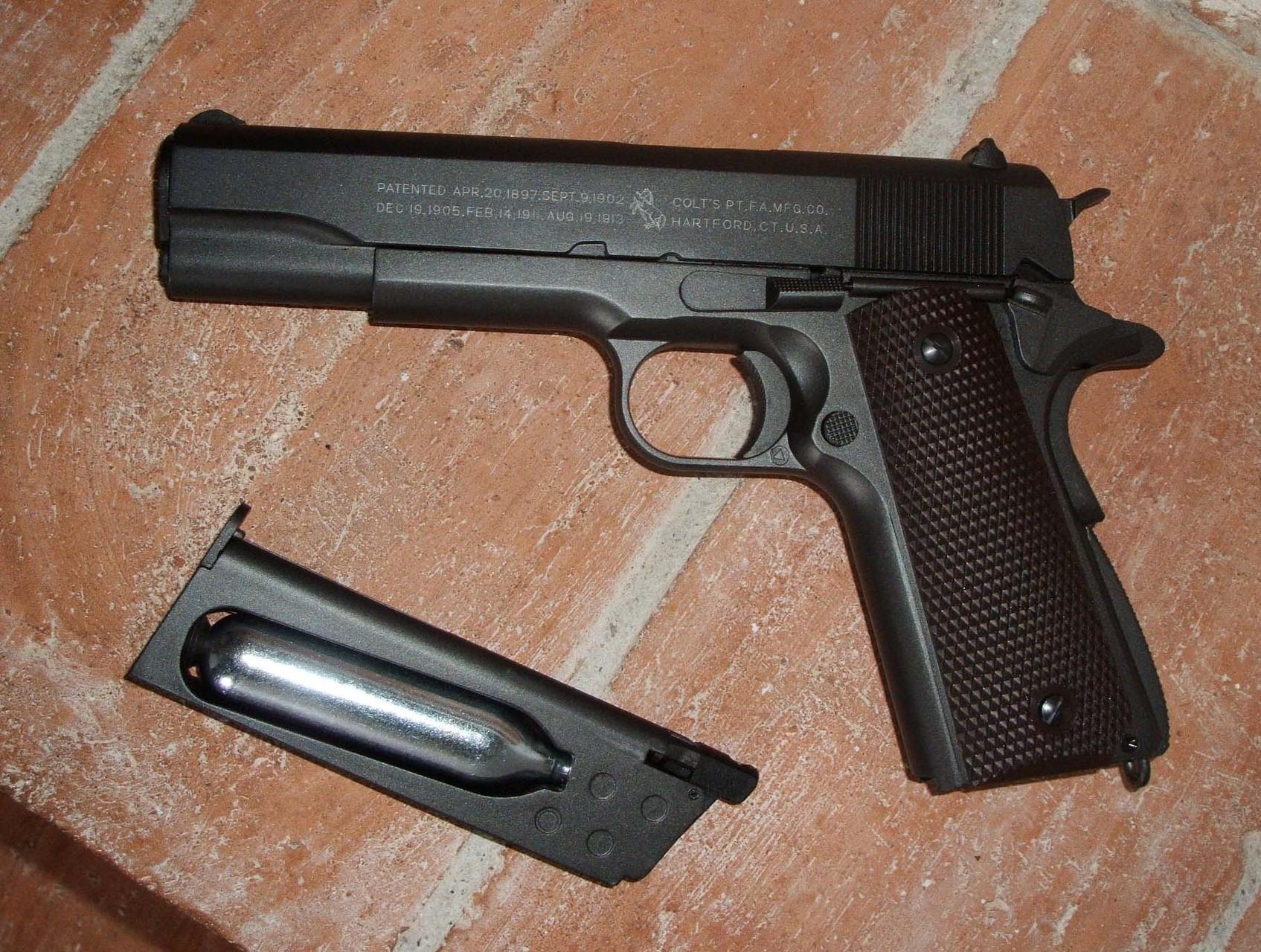 Colt M1911 a CO2