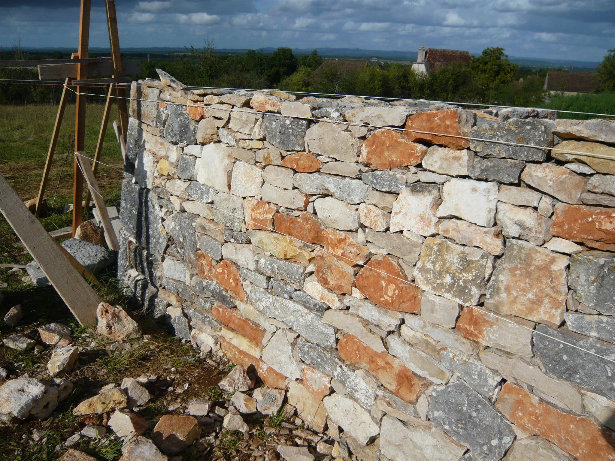Détail du mur en pierre