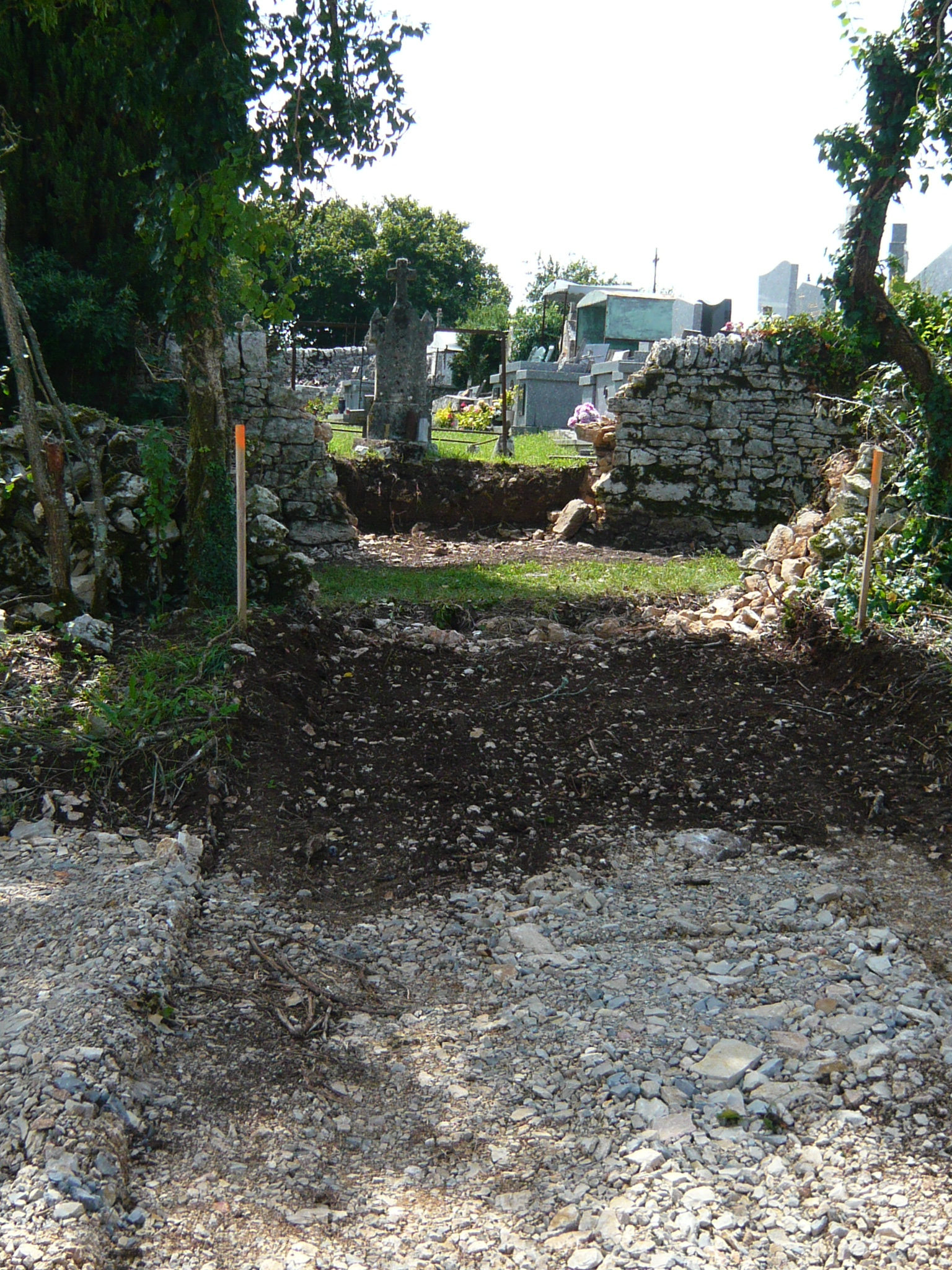31 juillet : ouverture du passage entre ancien et nouveau cimetières