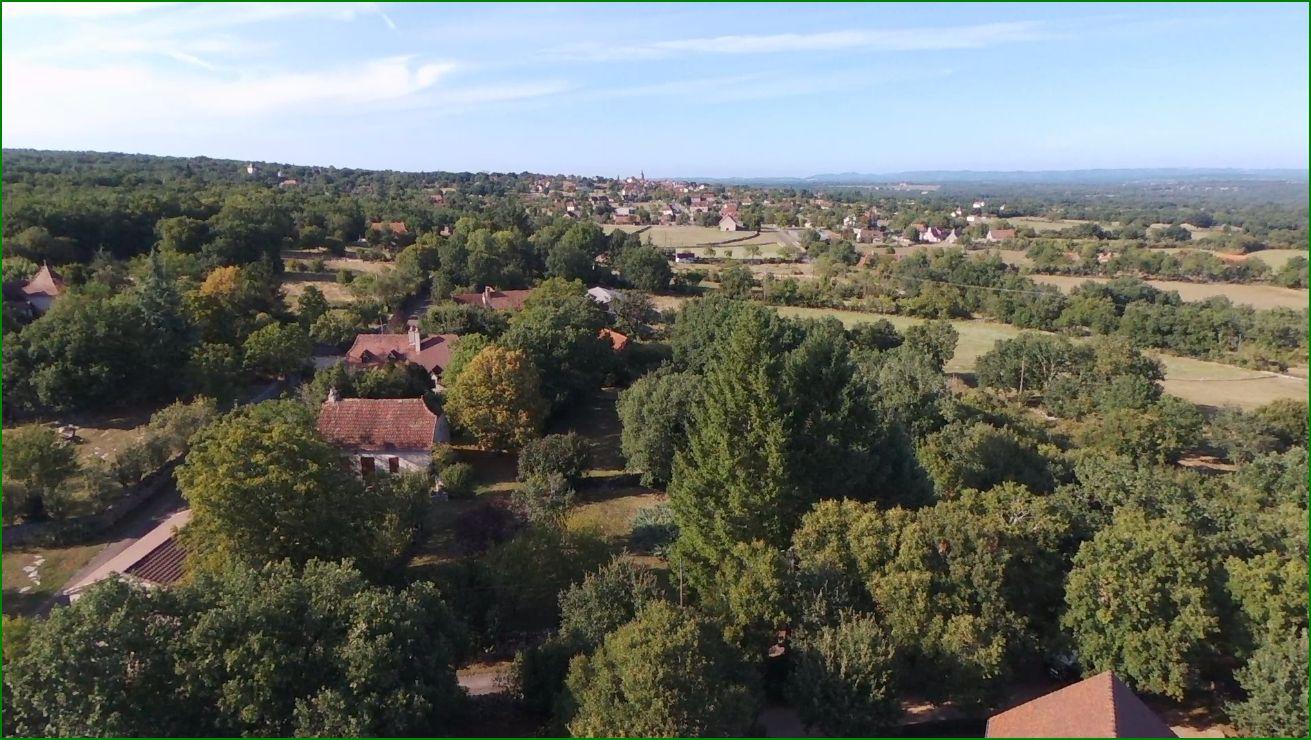 Le village vu du mas de Merigues