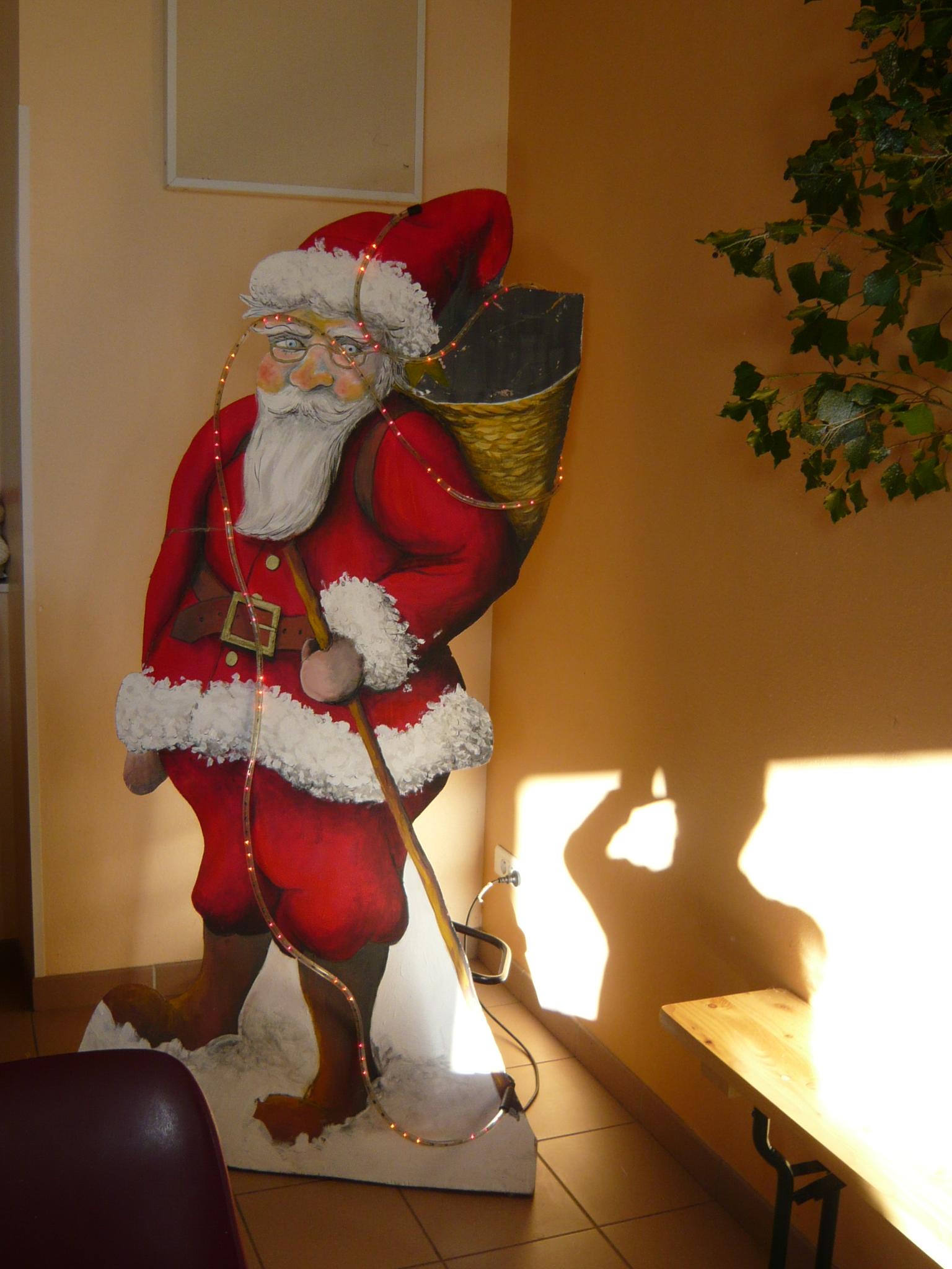 b8a45ac9d2012 Ce joyeux après-midi s est terminé par la dégustation de la traditionnelle  bûche de Noël